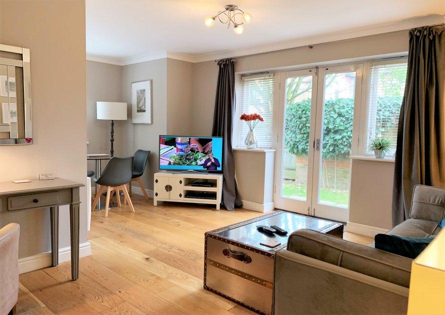 Elizabeth Court - 2 bedroom property in Windsor UK