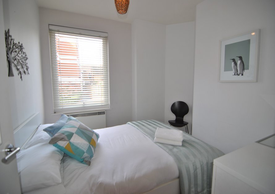 The Courtyard - 2 bedroom property in Windsor UK