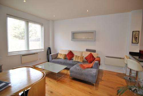 Central Windsor two bed short let apartment