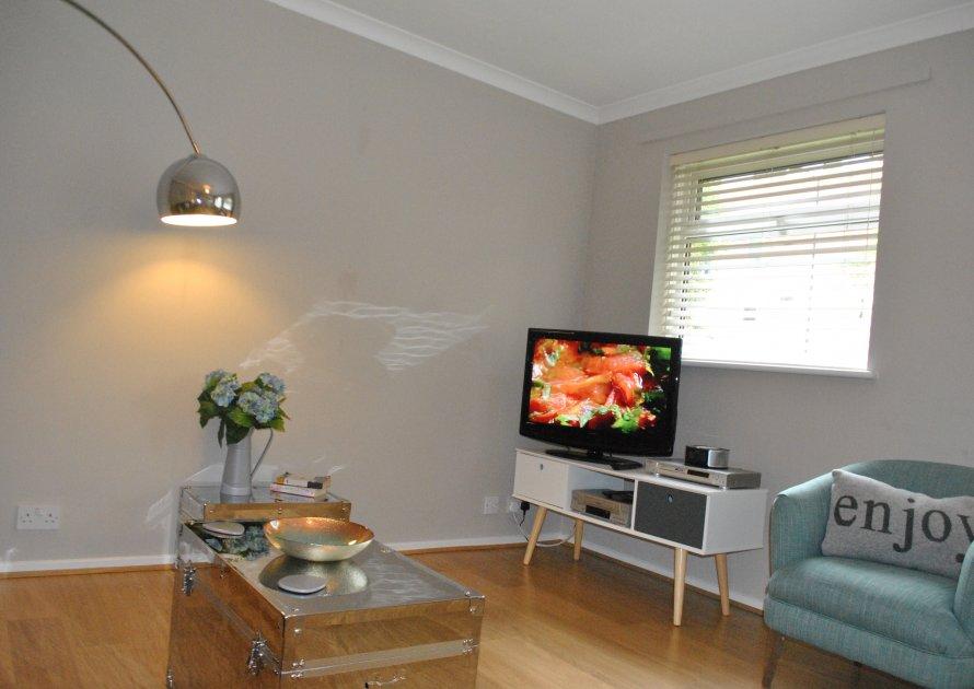 Lawrence Court - 2 bedroom property in Windsor UK