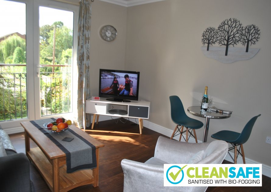 Lord Raglan House - 2 bedroom property in Windsor UK