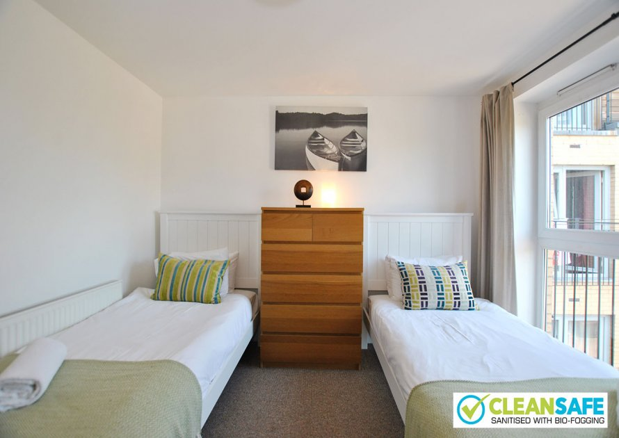 Pavilions - 2 bedroom property in Windsor UK