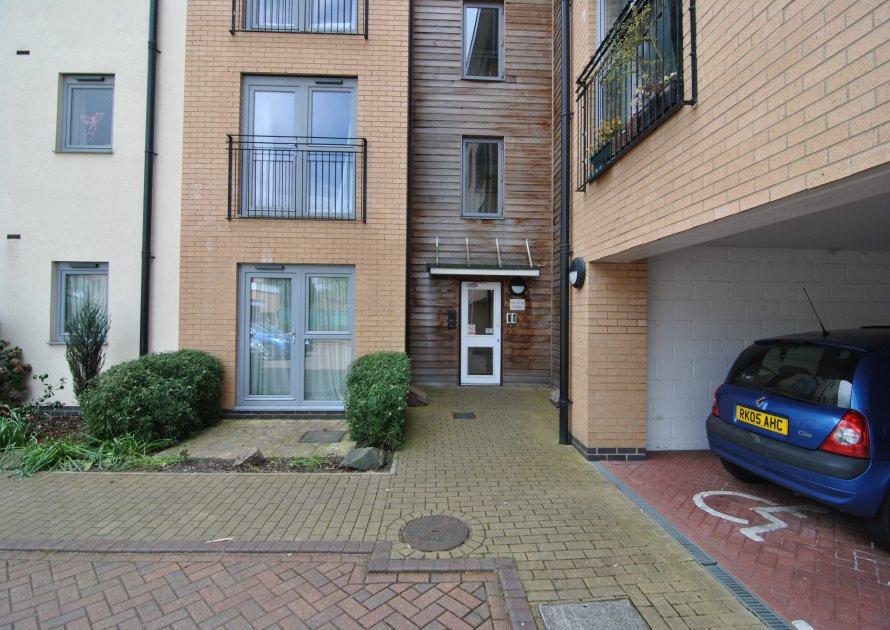 Pavilions - 2 bedroom property in Windsor UK