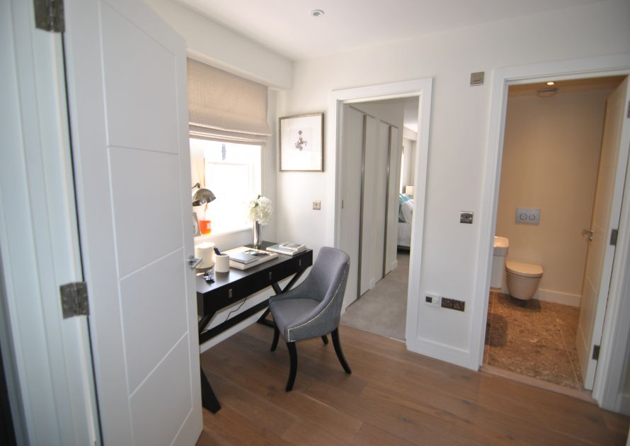 High Street - 2 bedroom property in Windsor UK