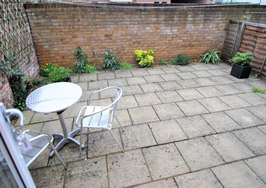Garfield Place - 2 bedroom property in Windsor UK