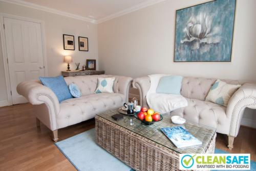 Lord Raglan House Windsor: short term fully furnished rentals