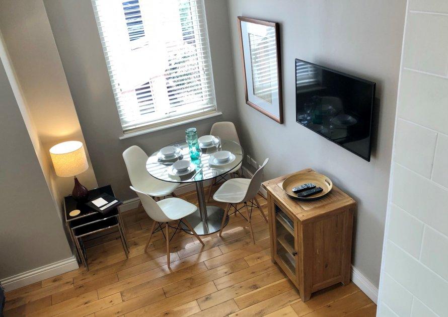 The Courtyard - 2 bedroom property in Windsor UK