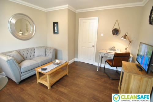 Lord Raglan House - one bedroom short stay apartments in Windsor