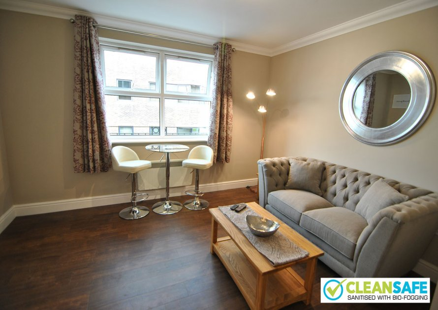 Lord Raglan House - 1 bedroom property in Windsor UK