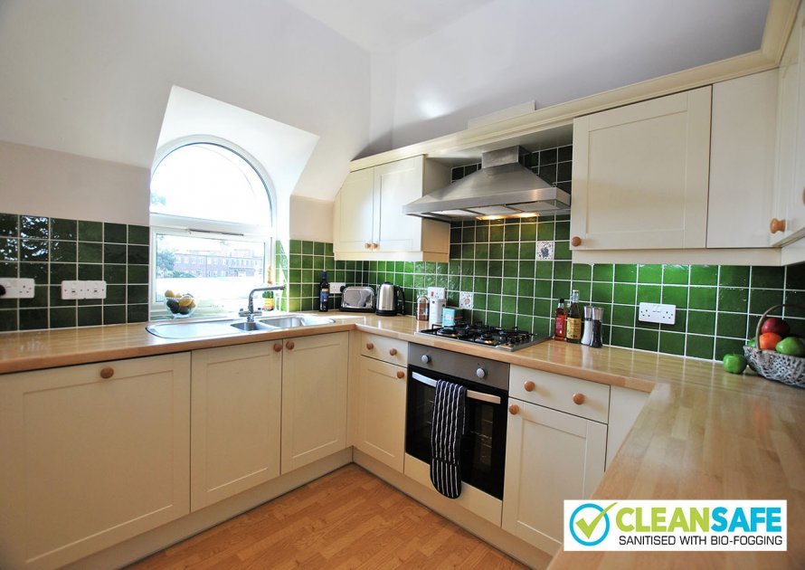 Kitchen | Lord Raglan House - 2 bedroom property in Windsor UK
