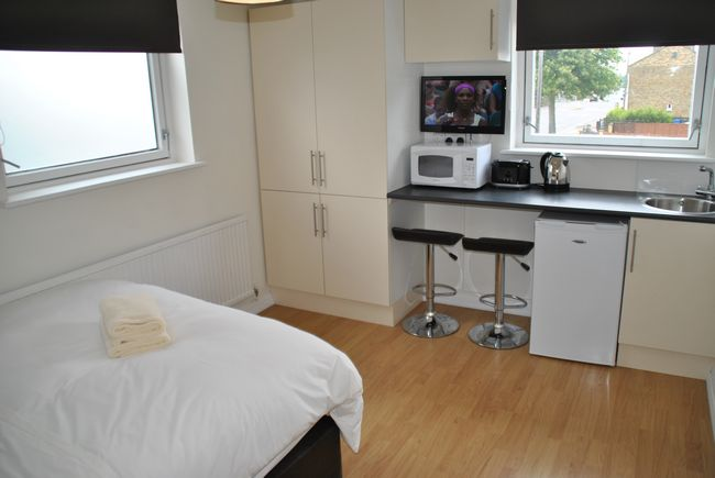 Studio 2 - 1 bedroom property in West Windsor UK
